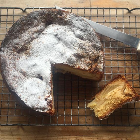 Vanilla Apple Cake
