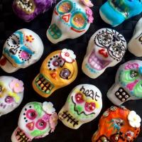 HEAT COOKS THE BOOKS: Halloween sugar skull cupcakes