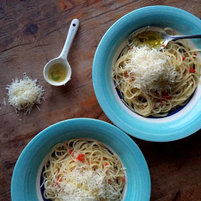 Raw Garlic & Chilli Spaghetti