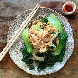 Warm noodles with gochujang dressing