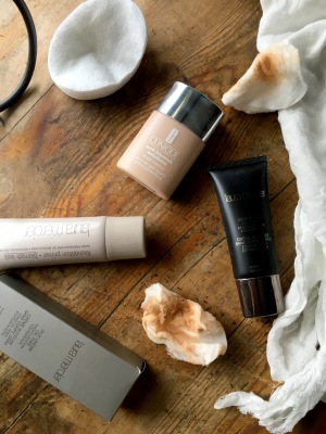 Foundation: Clinique vs Laura Mercier