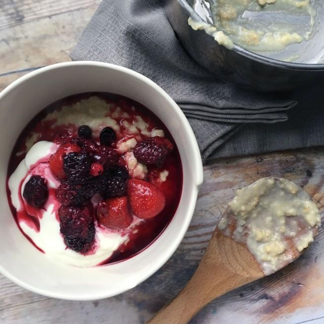 Maple berry porridge