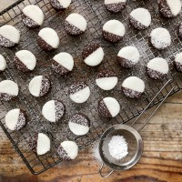 Bitesize peppermint creams