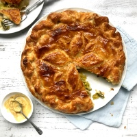 Leek, potato & cheddar pie